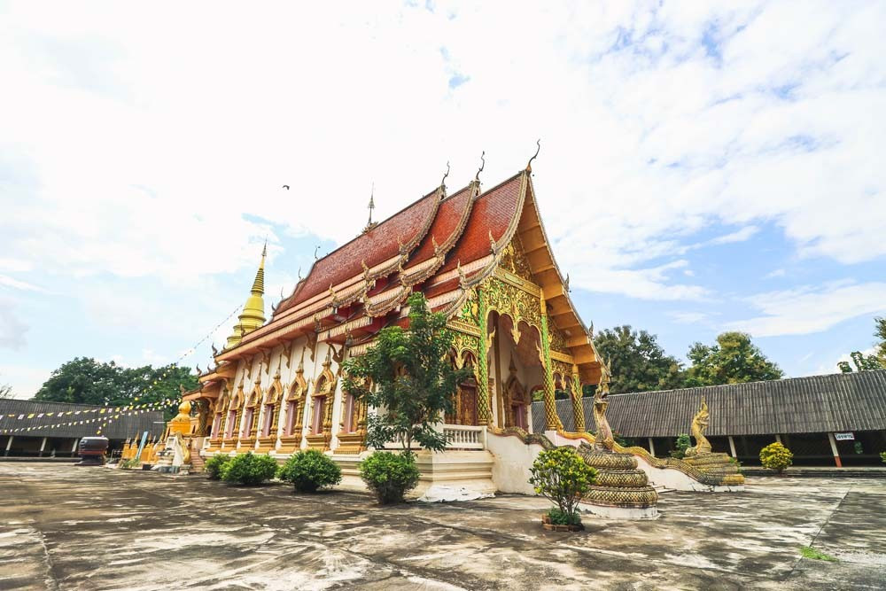 Phra that duang deaw寺庙