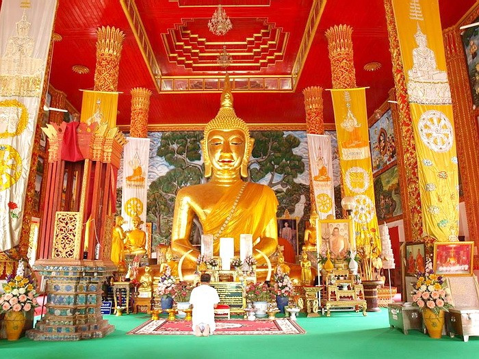 Ban Lao Temple, Phra Chao Ta Khiew (Green Eyes God)